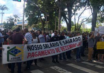 ATRASO NOS SALÁRIOS: Servidores Públicos se reúnem durante assembleia unificada